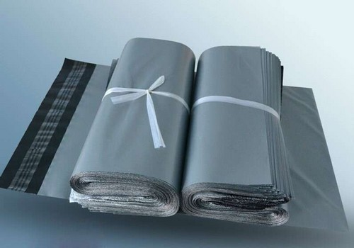 Envelope com aba adesiva