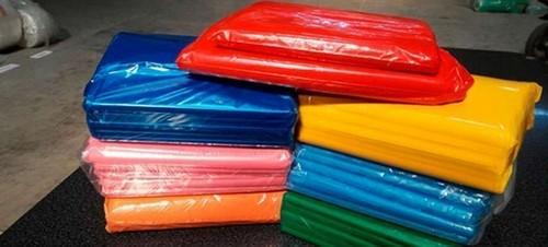 saco plástico colorido