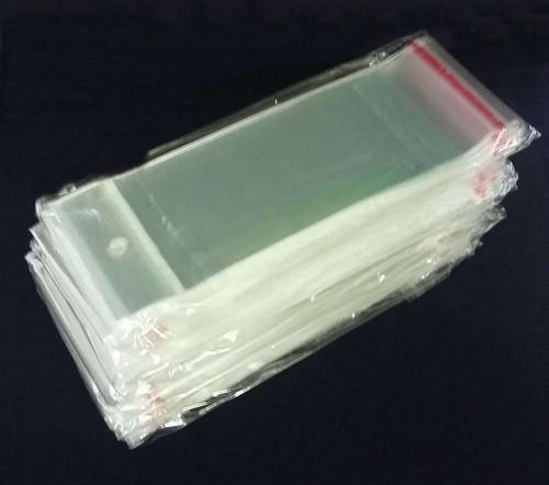 Saquinho de plástico com adesivo
