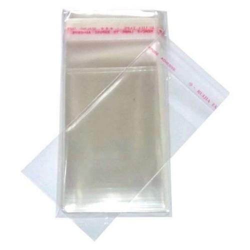 Saquinhos plásticos adesivados